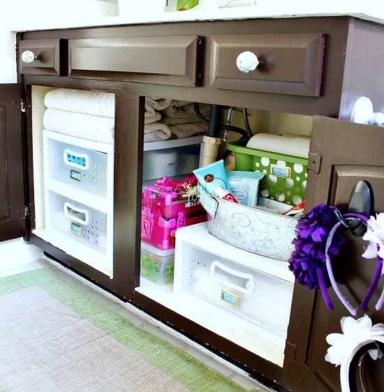 Hi Sugarplum | Organized Bathroom Cabinet