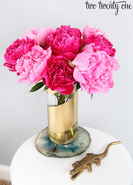 pink and fuchsia peonies