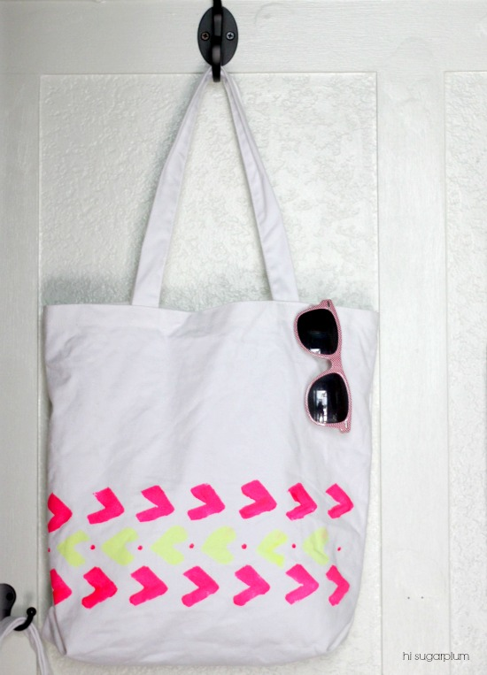 Hi Sugarplum | DIY Stenciled Tote