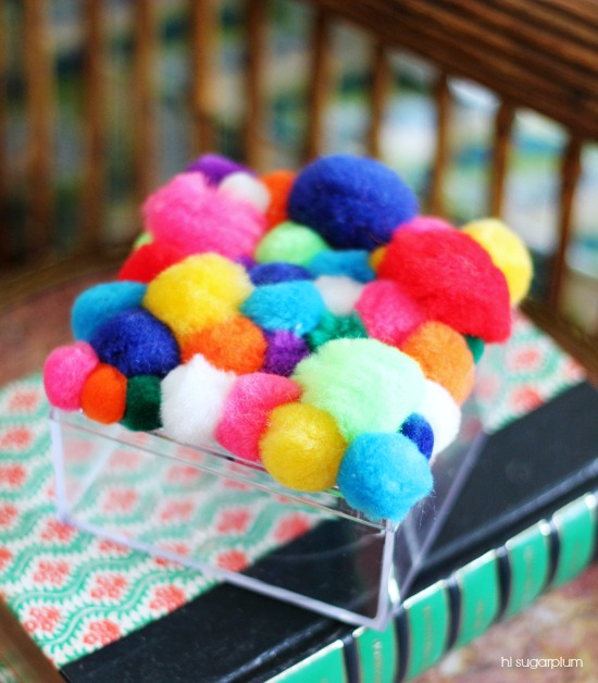 Hi Sugarplum | {DIY} Pom-Pom Box