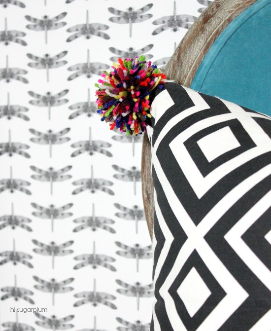 Hi Sugarplum | DIY Pom Pom Pillow