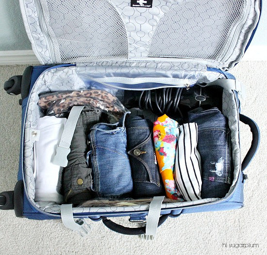 Hi Sugarplum | How to Pack 10 Days in 1 Carry-On