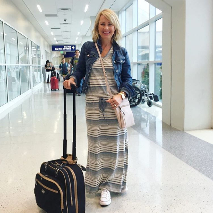 Next stop: Barcelona!! ✈️ Ready for the long haul in this comfy racerback maxi (petite size = no hemming for this shorty!) #traveluniform #tiredeyes // Find it here 👉http://liketk.it/2osYa👈 // Follow more of our @princesscru