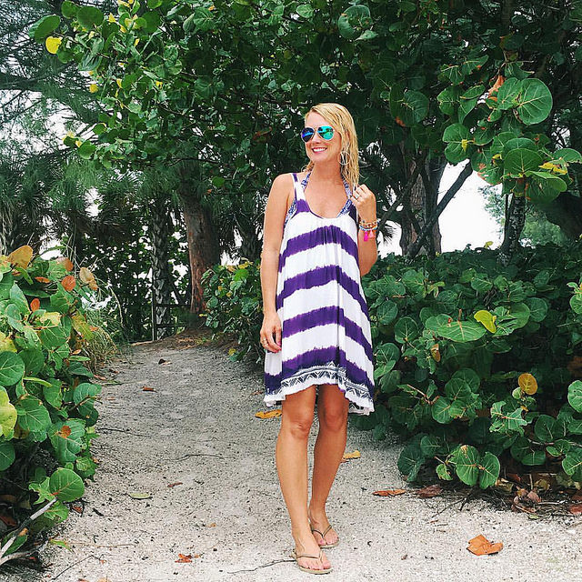 You know those style bloggers that manage to have perfect hair & makeup, even at the beach? Yeah, that's not me. 🙆😋#beachhairdontcare But I do have a cute striped dress turned cover-up! The pink version is on sale, as is my tassel bracelet se