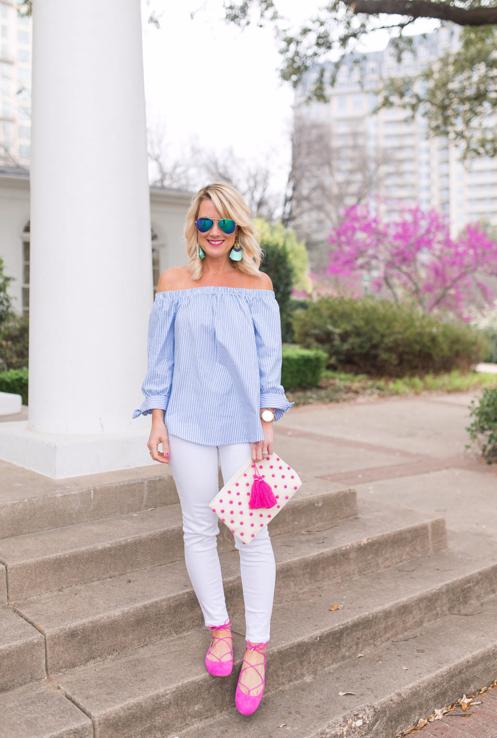 white jeans outfit at arlington hall dallas