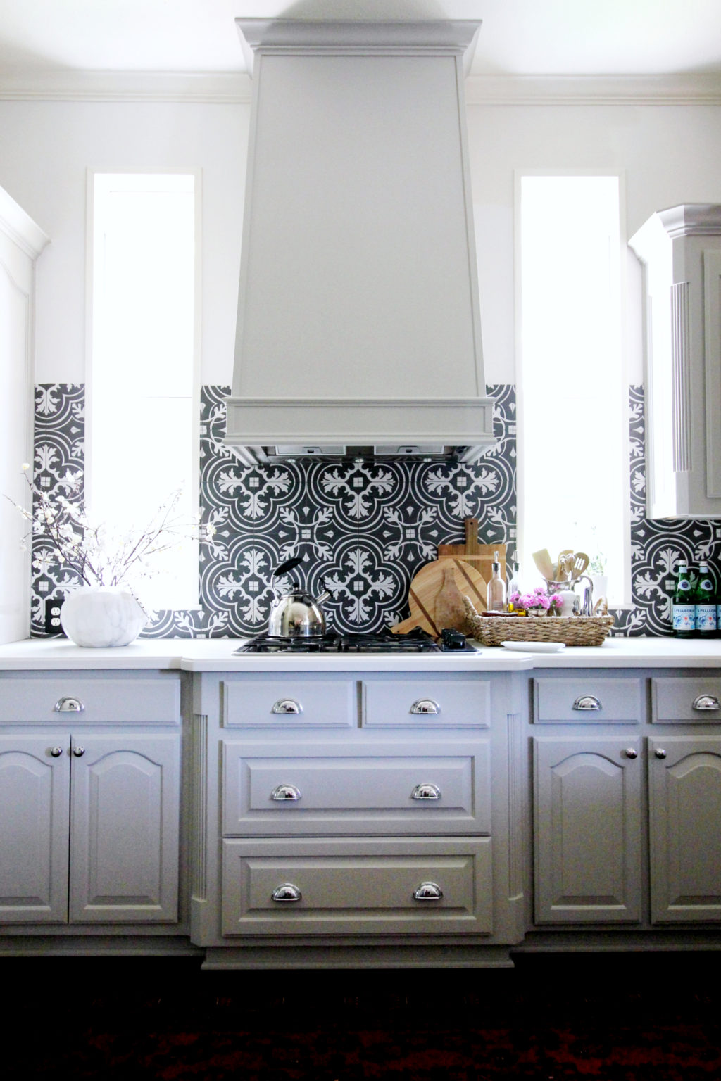 kitchen with graphic tile