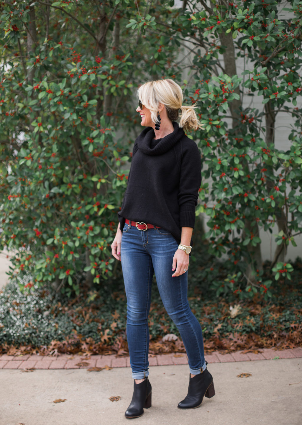 afd674302a0bd Sugarplum Style Tip | How to Wear Ankle Boots with Skinny Jeans | hi ...