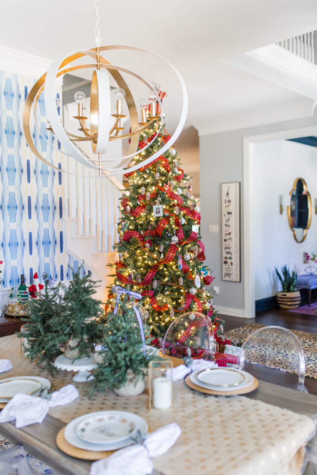 hi sugarplum christmas dining room-110