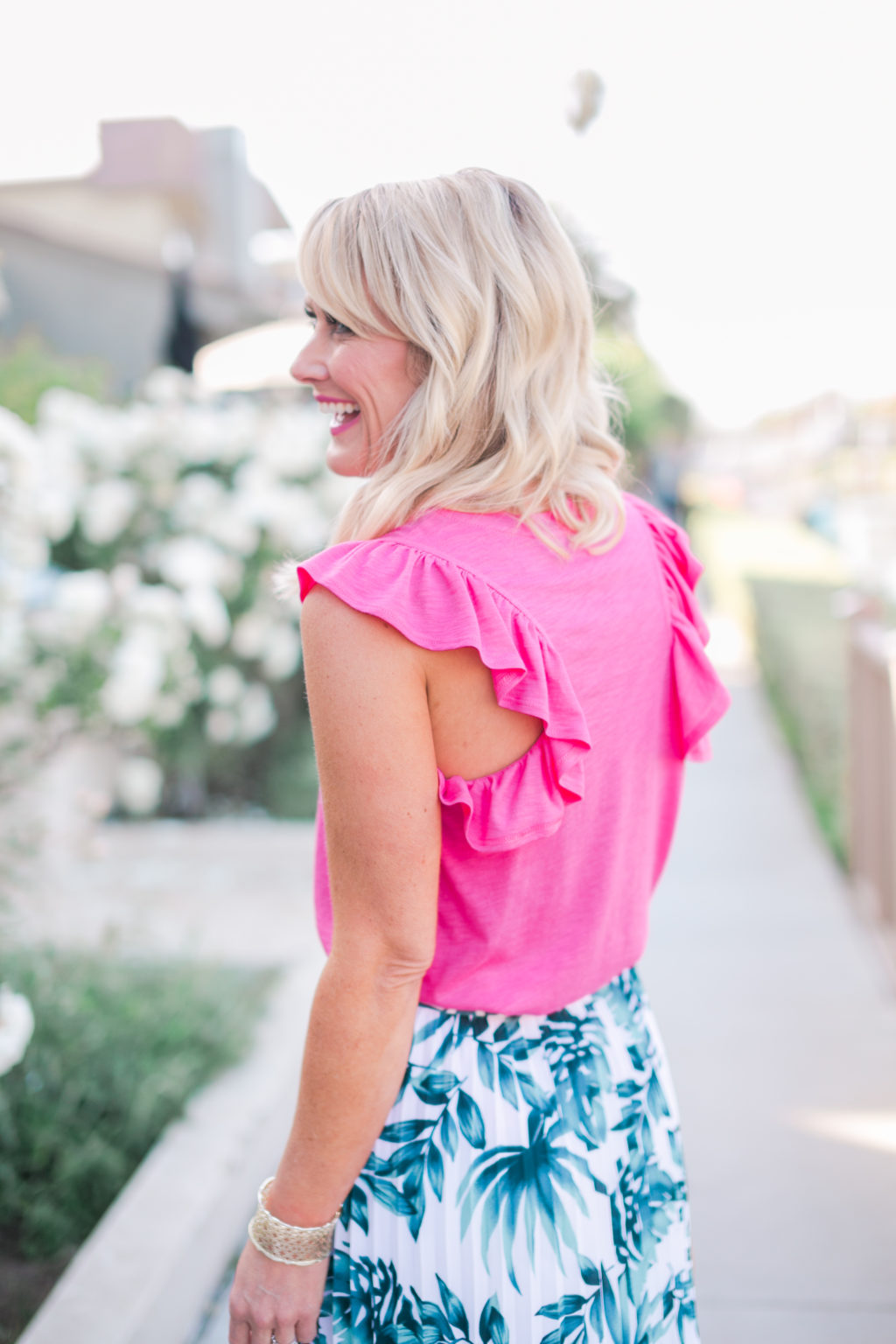 gibson hi sugarplum nordstrom collection bonita ruffled racerback tank hot pink with navio pleat skirt in palm print